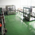 Stroje na plnění tekutin pro potravinářský a nápojový sektor